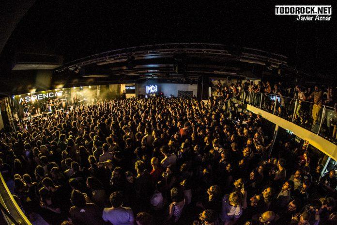 Aspencat y Dakidarría reventaron la Sala Mon de Madrid en una noche muy especial