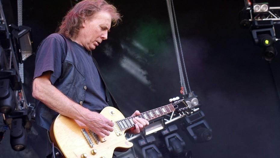 """El mundo del rock rinde tributo al ex-guitarrista de MOTORHEAD """"Fast"""" Eddie Clarke"""