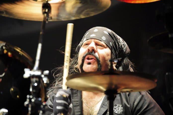 Muere Vinnie Paul, fundador y batería de Pantera