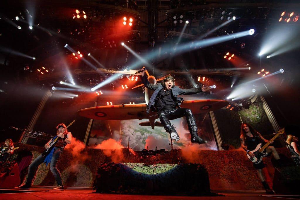 ¿Cuánto dinero genera Iron Maiden de la venta de entradas?
