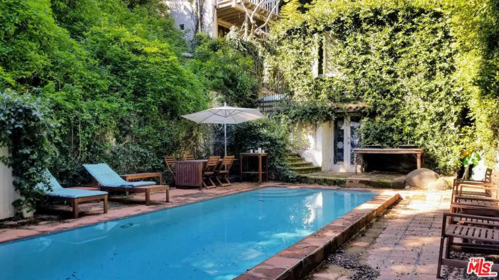 MARILYN MANSON vende su casa de Hollywood por 2 millones de dólares (Fotos)