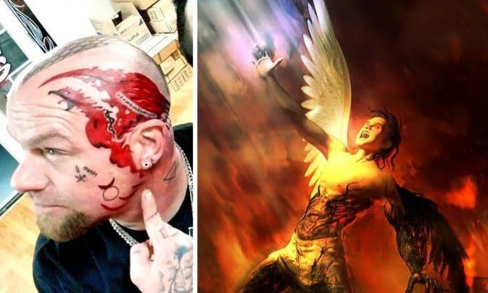El cantante de FIVE FINGER DEATH PUNCH se tatúa la cara para celebrar que lleva un año sobrio