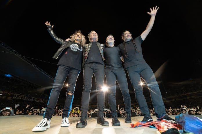 METALLICA reunió a 55.000 fans en Finlandia, el 1 por ciento de la población del país