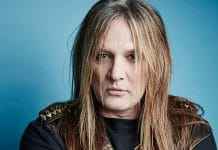 Guitarrista de SKID ROW: