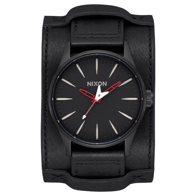 METALLICA lanza una nueva colección de relojes (Fotos)