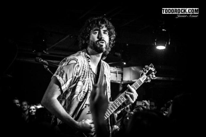 IZAL actuó por sopresa en Madrid dentro del JOKER FESTIVAL